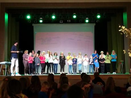"""Palsmanes pamatskolas skolēni piedalās """"Labo darbu maratonā"""" Madonā"""
